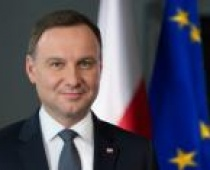 """Prezydent Andrzej Duda podpisał ustawę z programem """"Rodzina 500 plus"""""""